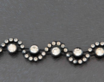 1 metre (39 inch) of Black Trim with Diamante insets