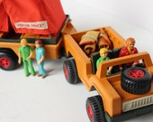 Safari Camping Family Jeep and Tent Trailer Camper Fisher Price Adventure People 1970's National Park State Park Family Adventure
