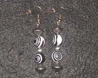 Black & White Glass Beads Earring Set