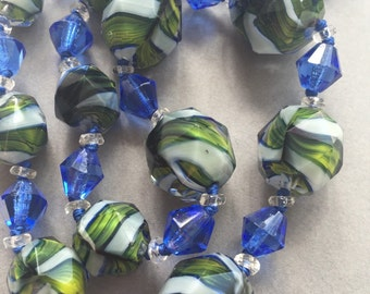 1920's Green & White and Blue Faceted Beads Necklace