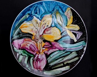 BOLD FLOWERS hand-painted porcelain plate