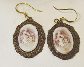 Vintage 12K Ladies at the Well Carved Shell Cameo Earrings