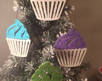 Set of 5 cupcake ornaments.