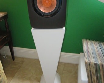 Minimalist Speaker Stand for Bookshelf Speakers