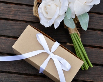 DIY gift box for stemless champagne flutes or glasses