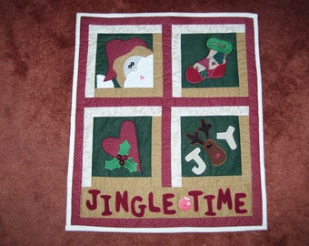 Santa quilt machine quilted and appliqued-reindeer-holly