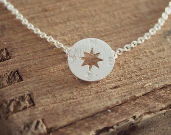 Minimalist Simple Compass Necklace, Silver Minimalist Necklace, Minimalist Charm Neclace, Wanderlust Necklace