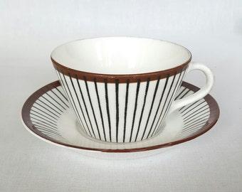 Lovely vintage Spisa Ribb large tea / coffee cup design by Stig Lindberg for Gustavsberg.