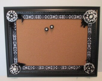 18 x 24 Black and white Corkboard