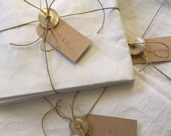 Unused french vintage Linen, 2 Fat Quarters, Linen Bundle, for Craft Projects, Cushion, Embroidery, Applique, Patchwork....,