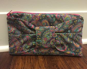 Bow Clutch Grey & Pink Paisley