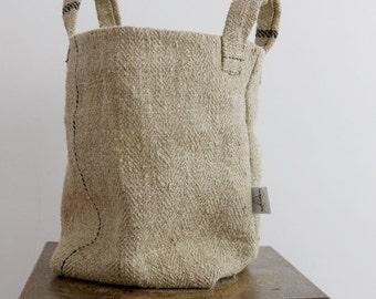 TextileManufacture vintage linen basket