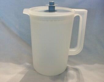 Vintage Tupperware 2 Quart Pitcher