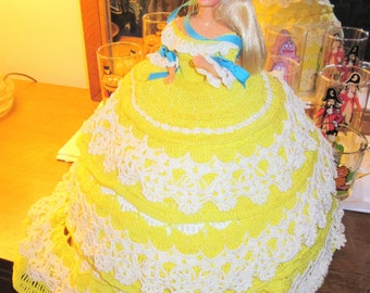 """1990""""s Barbie doll had crochet southern Belle Plantaion Gown Yellow bride"""