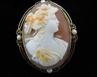 Vintage 10k Yellow Gold Carved Cameo Convertible Brooch/ Pendant with Pearls