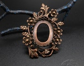 1pcs Copper Plated Brass Crown Flowers and Leaves Bezel Pendant for 18x13mm Cabochon, Oval Shape, 1222co, Antique Copper Color
