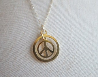 "Vintage Beautiful Gold/ 925 Sterling Silver Peace Sign Pendant and Hallmarked 925 20"" Chain, Weight 2.2 Grams"