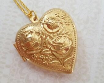 Large heart locket, gold heart locket, large heart necklace, large heart pendant, heart locket necklace, gold heart necklace, gift for her