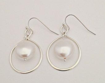 Sterling silver infinity earrings, coin pearl earrings, figure eight in silver, casual, everyday, modern, elegant earrings