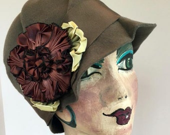TAUPE WOOL  felt cloche hat trimmed with ruched ribbon. Handmade.