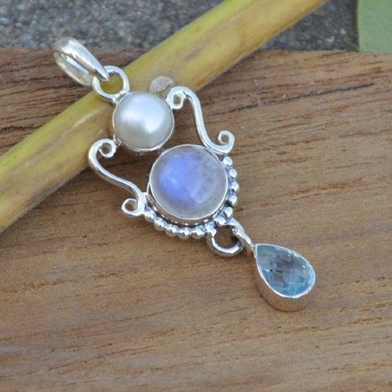 Blue Rainbow Moonstone Blue Topaz Pendant Bezel set in Fine Silver, pearl, AAA Blue topaz, AAA moonstone, AAA Blue Flash Moonstone Pendant