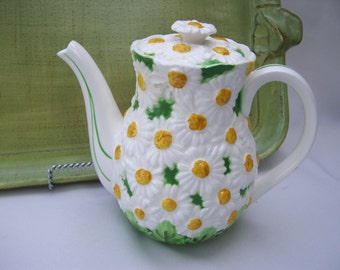 Daisy Teapot from Lefton, Daisytime