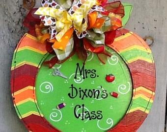 Back to school sign, back to school teacher sign, apple sign, apple door sign, teacher sign, teacher door sign,classroom sign