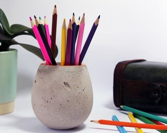 Concrete planter - desk organizer