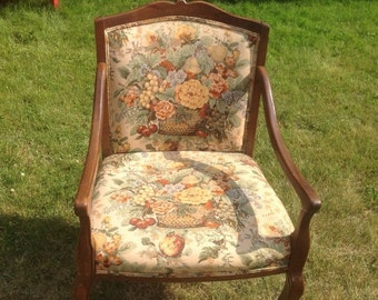 60% Off Sale Vintage Statesville Chair Co, Statesville NC Upholstered Floral Armchair, Vintage Armchair