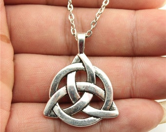 Vintage antique silver plated 35 * 27 mm triquetra symbol pendant necklace