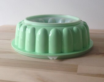 Vintage Tupperware Mint Green Jello / Gelatin Plastic Mold 1950s