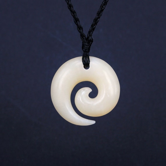 Free shipping koru necklace new zealand maori bone carving