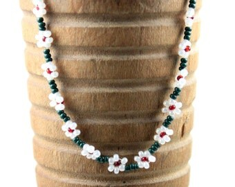 Pearl and Green Daisy Chain Bracelet