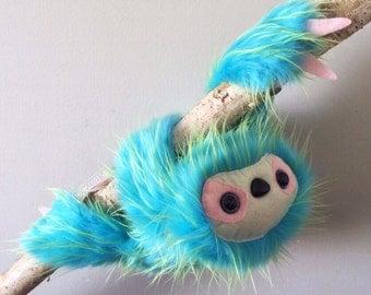 Sloth plush (green/pink)