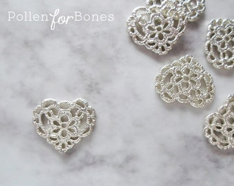 2pcs ∙ Silver Lace Heart Charm Cast Tatting Pendant Jewelry Supplies