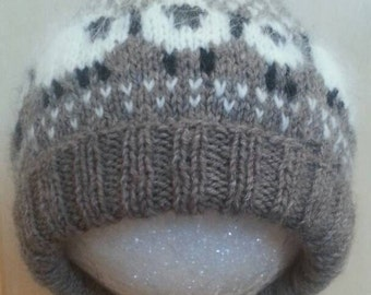 Small adult/older child sheep hat