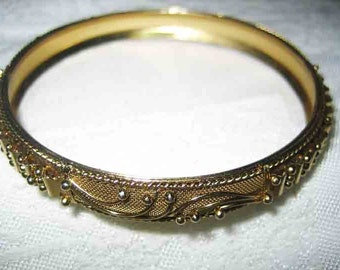 Vintage Victorian Revival Mesh & Gold Tone Bangle Bracelet