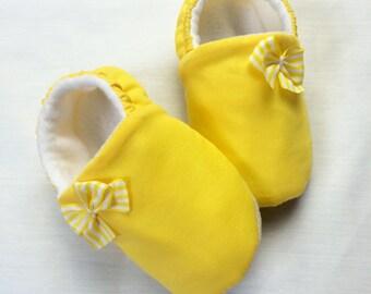 Sunshine. soft sole pram/crib shoe.