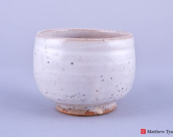 Chawan Tea Bowl with Snow Glaze Decoration - Stoneware Pottery