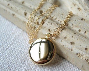 Locket, gold locket, lockets, small locket, little locket, minimalist locket, locket gold, dainty locket, little gold necklace, lockets
