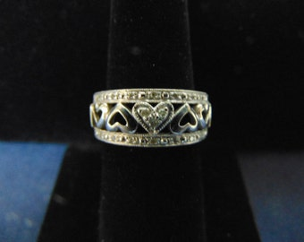 Womens Vintage Estate 10k Gold Heart Ring w/ Diamonds 6.1g E2335