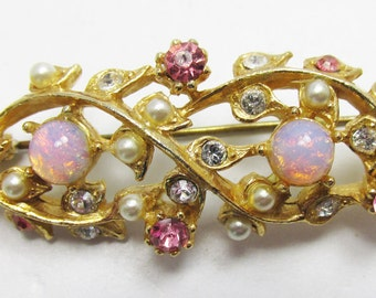Vintage 1950s Gold Toned Faux Opal Cabochon, Faux Pearl and Rhinestone Pin