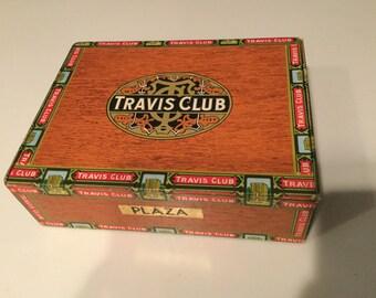 Travis Club Plaza cigar box