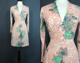 70's Dress......70's Peach Floral Poly Day Dress