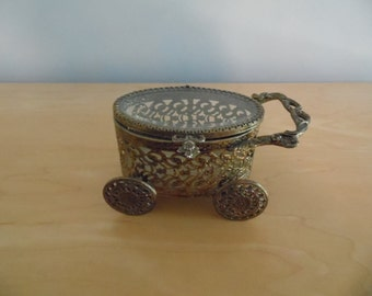 Adorable filigree gold carriage jewelry casket box