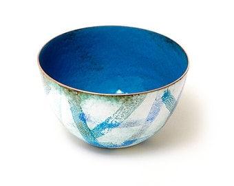 Enamelled copper bowl