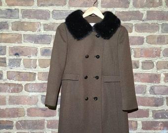 SALE 1950's women's wool coat with fur collar (medium)