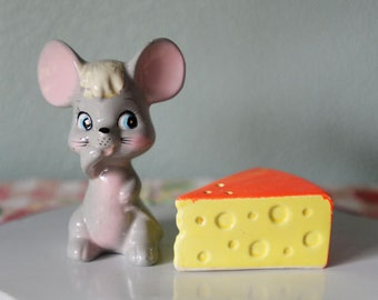 Vintage Enesco Mouse Salt and Pepper Shakers