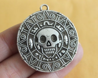 Bulk 5 Silver Pirates Of The Caribbean Carved Skull Charms Pendant 38mm