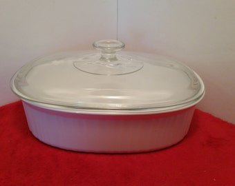 vintage corningware cookware/ french white casserole dish with lid,  F-2-B, 2.8 liter